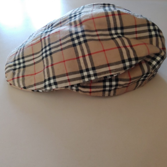 Burberry Accessories - BURBERRY Plaid Cap 1b74392e25e